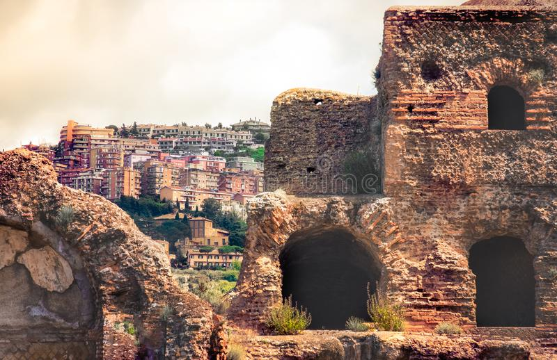 Ιταλική εικονική παράσταση πόλης αρχαιολογίας της πόλης Tivoli στη Ρώμη - το Λάτσιο - την Ιταλία στοκ εικόνες