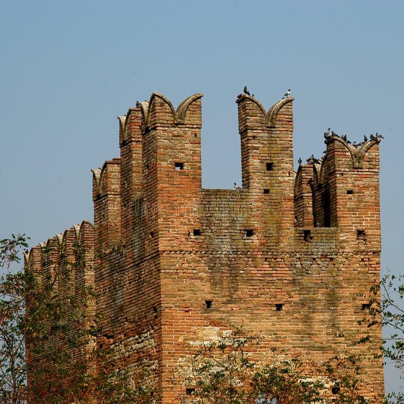 Download ιταλικός παλαιός κάστρων στοκ εικόνα. εικόνα από σκάφος - 125079