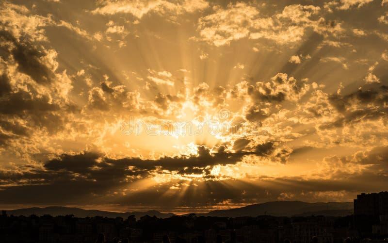 Ιταλικό ηλιοβασίλεμα, Λιγυρία, Γένοβα στοκ φωτογραφίες με δικαίωμα ελεύθερης χρήσης