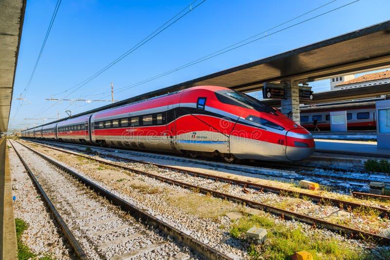 Ιταλικό τραίνο υψηλής ταχύτητας στοκ εικόνα με δικαίωμα ελεύθερης χρήσης