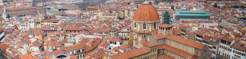 Ιταλία Φλωρεντία Πανοραμική άποψη που βλέπει από την πλατφόρμα Duomo, καθεδρικός ναός Σάντα Μαρία del Fiore παρατήρησης στοκ εικόνα