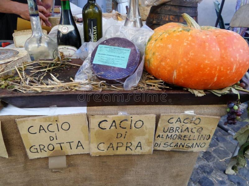 Ιταλικά προϊόντα στην πώληση στοκ εικόνες με δικαίωμα ελεύθερης χρήσης