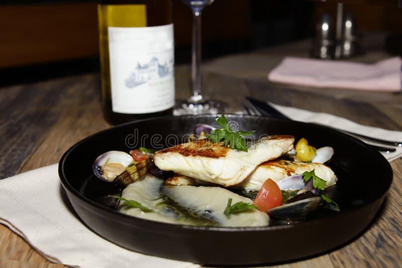 Ιταλικά ψάρια στο εστιατόριο στοκ εικόνες