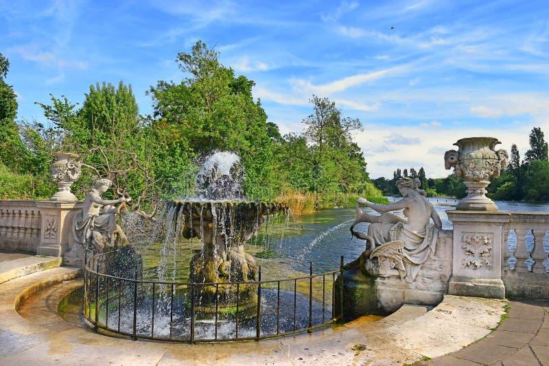 Ιταλικοί κήποι στο Χάιντ Παρκ στο Λονδίνο στοκ εικόνα με δικαίωμα ελεύθερης χρήσης