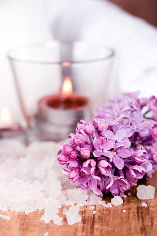 ιώδες άλας κεριών λουτρώ&nu στοκ φωτογραφία
