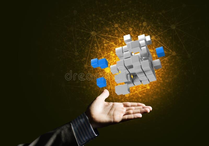 Ιδέα των νέων τεχνολογιών και της ολοκλήρωσης που παρουσιάζονται από τον αριθμό κύβων στοκ εικόνα