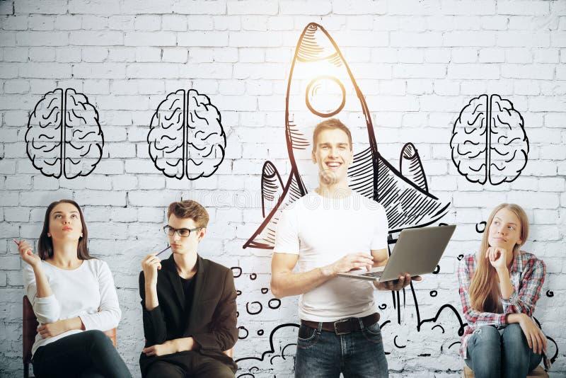 ιδέες 'brainstorming' νέες στοκ φωτογραφία με δικαίωμα ελεύθερης χρήσης
