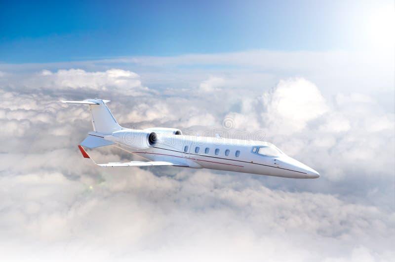 Ιδιωτικό άσπρο αεριωθούμενο αεροπλάνο στοκ εικόνες με δικαίωμα ελεύθερης χρήσης