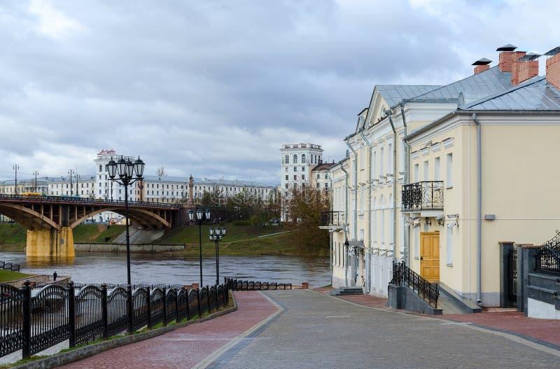 Κάθοδος στην προκυμαία Zapadnaya Dvina, Βιτσέμπσκ, Λευκορωσία στοκ εικόνα με δικαίωμα ελεύθερης χρήσης