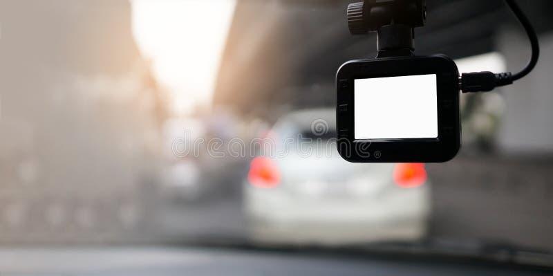 Κάμερα εξόρμησης με το λευκό όργανο ελέγχου οθόνης στοκ φωτογραφία με δικαίωμα ελεύθερης χρήσης