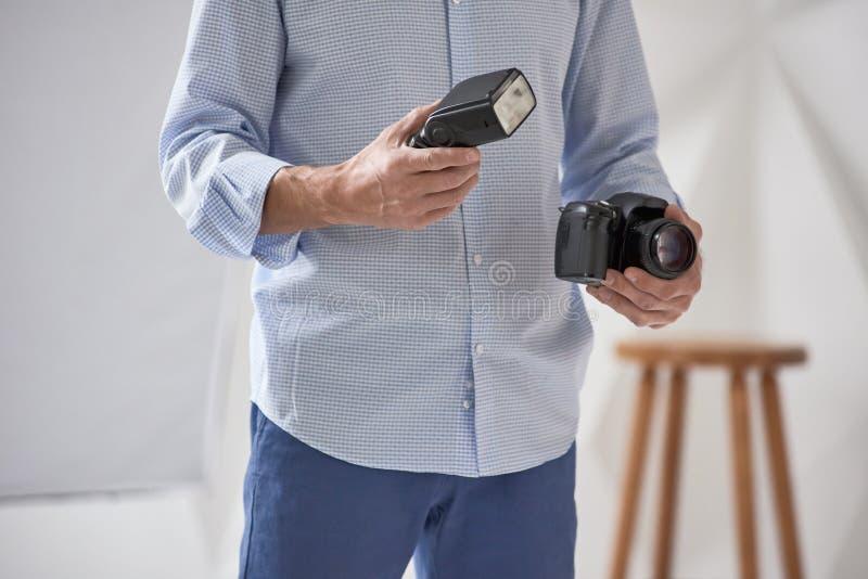 Κάμερα και λάμψη εκμετάλλευσης ατόμων στοκ εικόνες με δικαίωμα ελεύθερης χρήσης