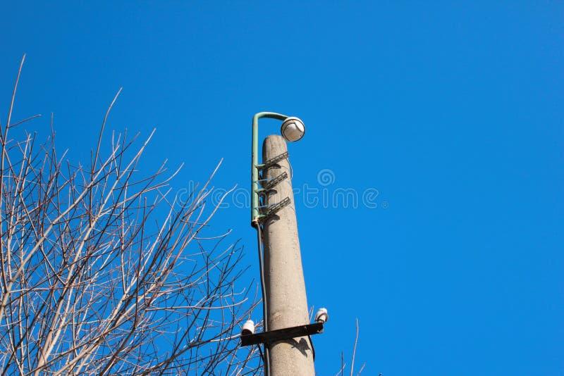 Κάμερα παρακολούθησης στο πάρκο στοκ εικόνες