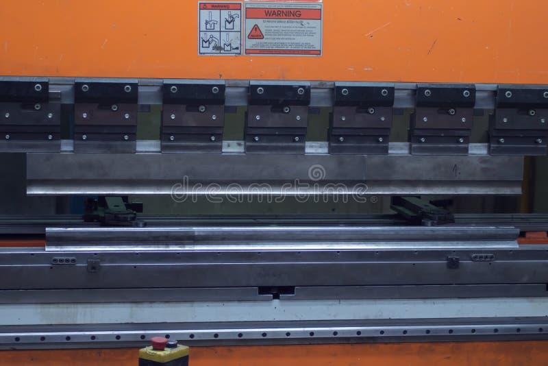 Κάμπτοντας μηχανή για το μέταλλο οποιουδήποτε πάχους στοκ εικόνες με δικαίωμα ελεύθερης χρήσης