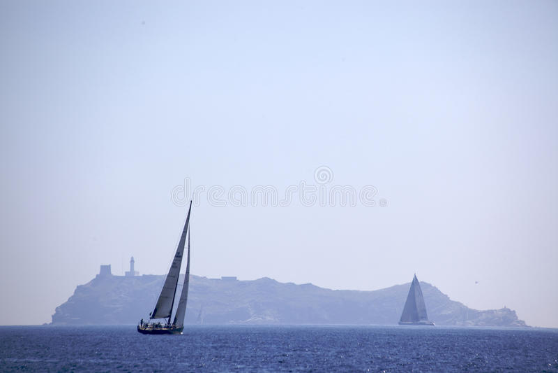 κάμπτοντας νησί giraglia στοκ εικόνα με δικαίωμα ελεύθερης χρήσης