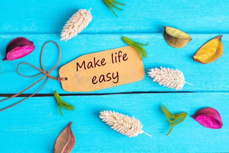 Κάνετε τη ζωή το εύκολο κείμενο στην ετικέττα εγγράφου στοκ εικόνες