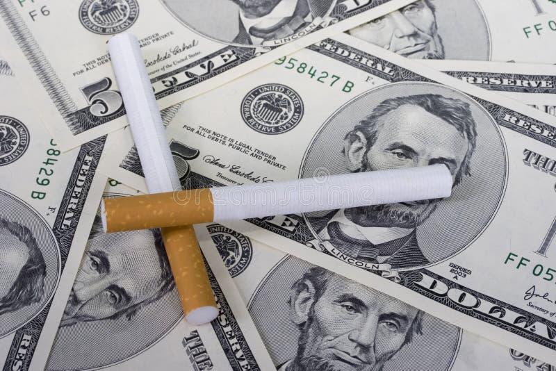 κάπνισμα δαπανών στοκ εικόνα