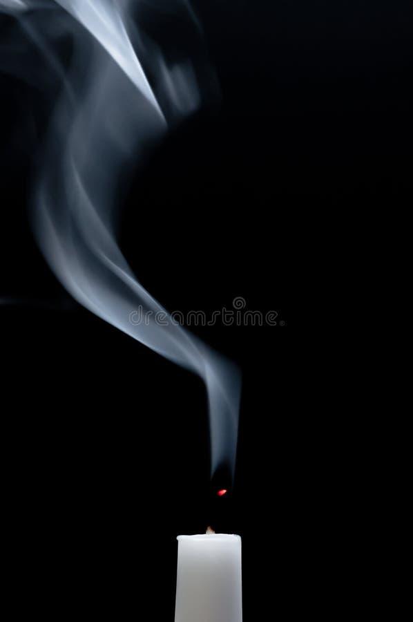 κάπνισμα κεριών στοκ εικόνα με δικαίωμα ελεύθερης χρήσης