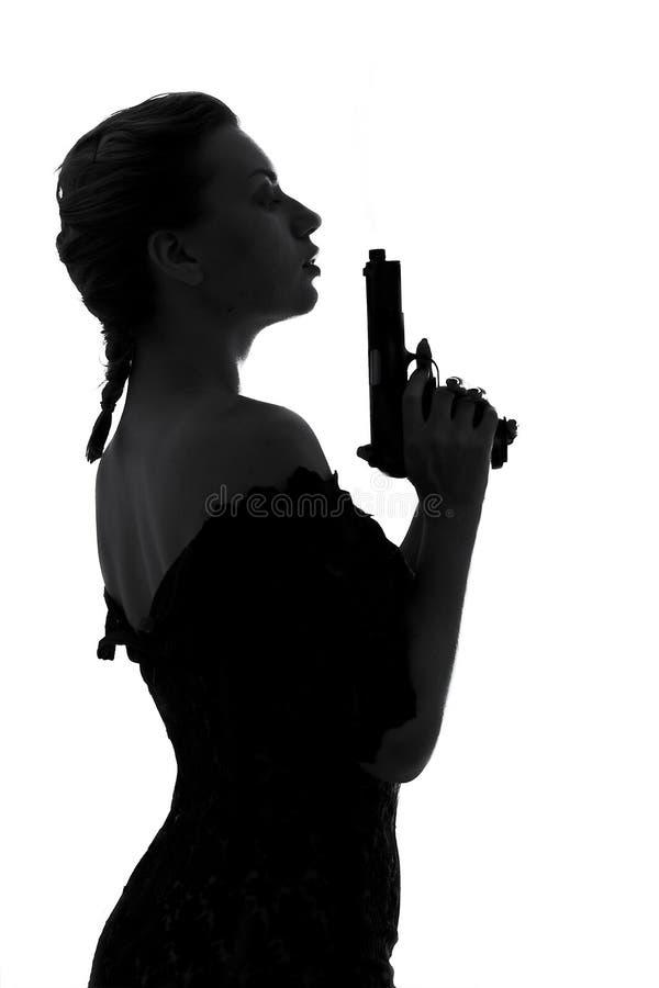 κάπνισμα πυροβόλων όπλων στοκ εικόνες με δικαίωμα ελεύθερης χρήσης