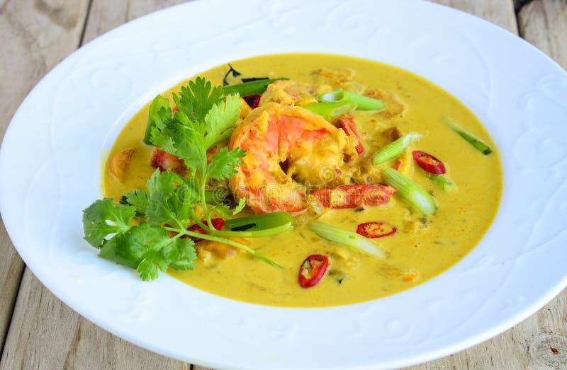Κάρρυ επιχειρησιακών γεύμα-γαρίδων στον κίτρινο ζωμό στοκ εικόνες