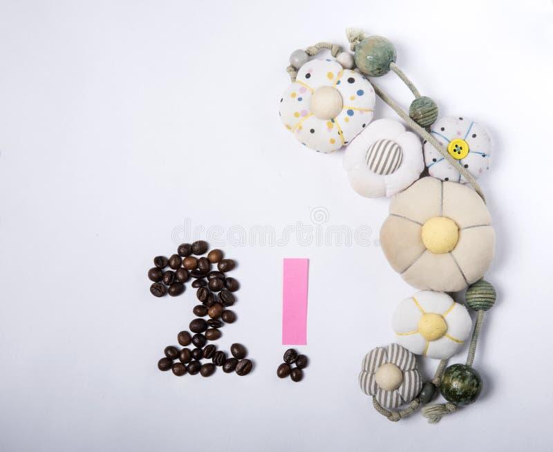 Κάρτα διακοπών - αριθμός 2 ψημένων φασολιών καφέ στοκ εικόνα με δικαίωμα ελεύθερης χρήσης