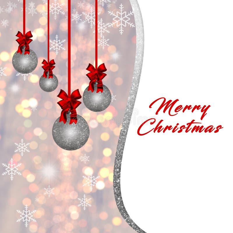 Κάρτα με τα ασημένια μπιχλιμπίδια Χριστουγέννων και τις κόκκινες διακοσμήσεις στο χρυσό υπόβαθρο απεικόνιση αποθεμάτων