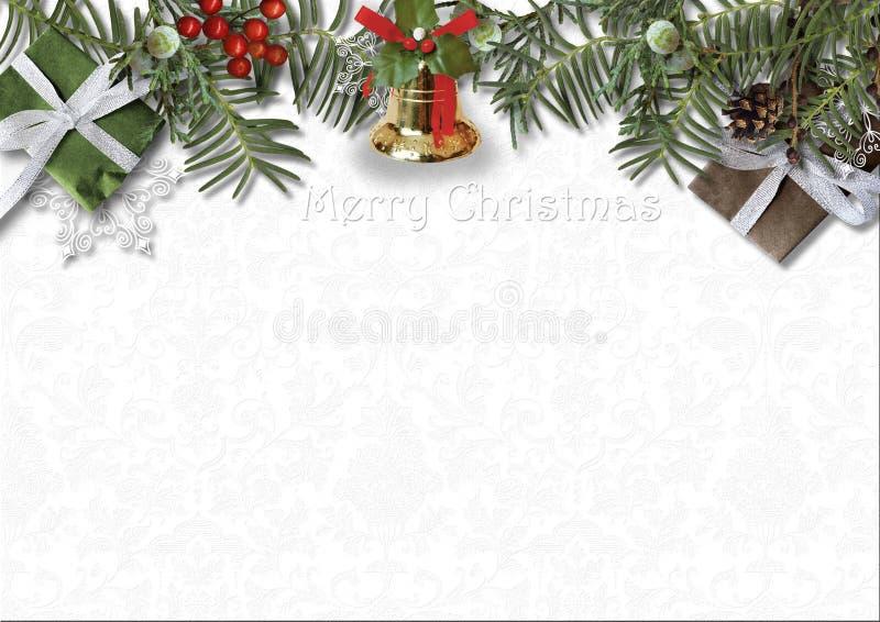 Κάρτα Χριστουγέννων με το κουδούνι, τον ελαιόπρινο και το δώρο στο άσπρο υπόβαθρο στοκ φωτογραφίες