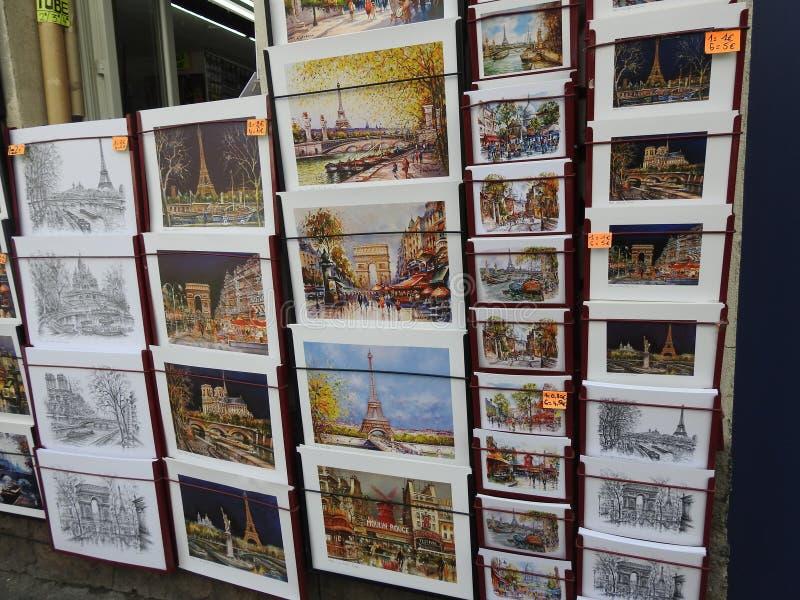 Κάρτες αναμνηστικών, Παρίσι Γαλλία στοκ φωτογραφίες