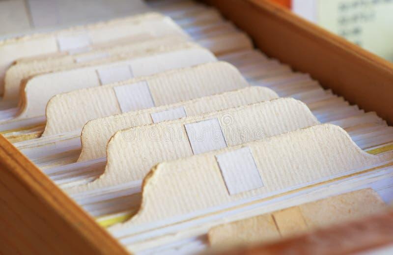 Κάρτες καταλόγων στη βιβλιοθήκη στοκ φωτογραφίες με δικαίωμα ελεύθερης χρήσης