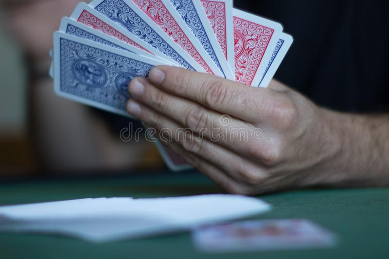 Κάρτες παιχνιδιών ατόμων στοκ εικόνα