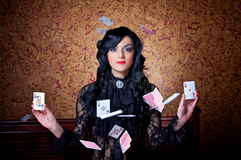 κάρτες που πετούν το πόκε&r στοκ φωτογραφία με δικαίωμα ελεύθερης χρήσης