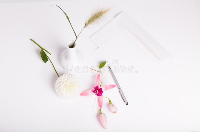 Κάρτες πρόσκλησης ή επιστολή αγάπης Γενέθλια, Mother& x27 s, βαλεντίνοι, Women& x27 s, έννοια ημέρας γάμου στοκ φωτογραφία με δικαίωμα ελεύθερης χρήσης