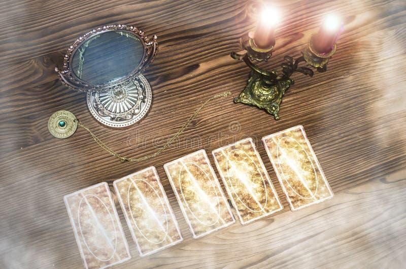 κάρτες tarot Fortune-teller στοκ φωτογραφίες