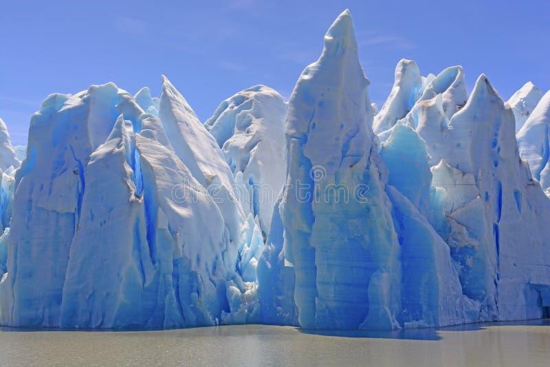 Κάστρα πάγου μια ηλιόλουστη ημέρα στοκ εικόνα με δικαίωμα ελεύθερης χρήσης