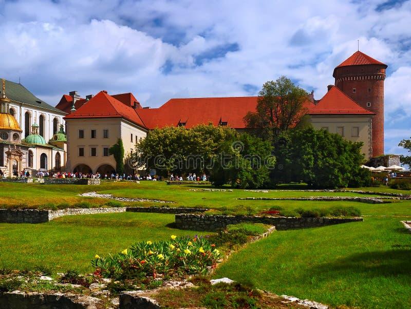 Download κάστρο ιστορικό στοκ εικόνες. εικόνα από πέτρες, θόλος - 22791492