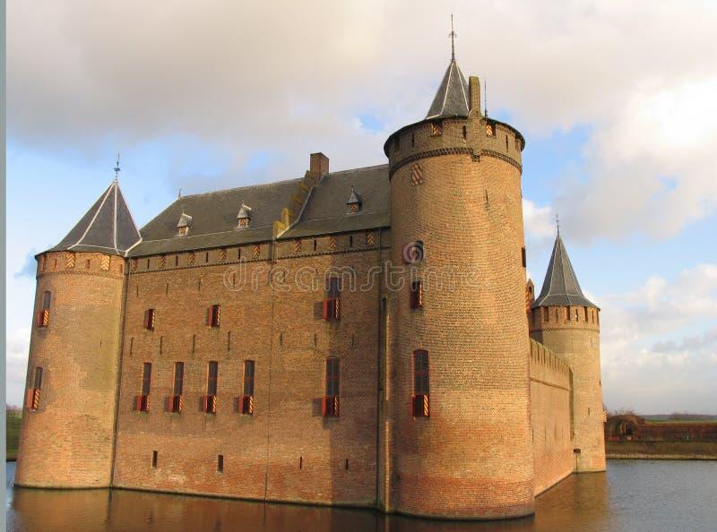 Download κάστρο ολλανδικά στοκ εικόνα. εικόνα από σύννεφα, τούβλων - 60617