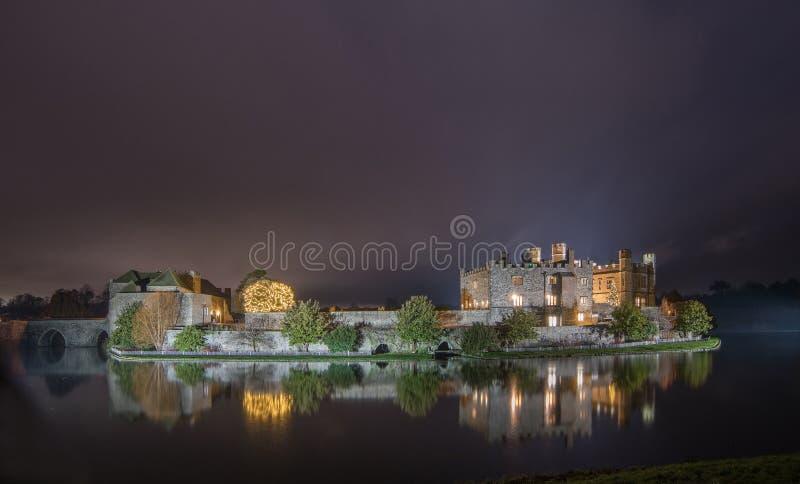 Κάστρο του Λιντς τη νύχτα στοκ εικόνα