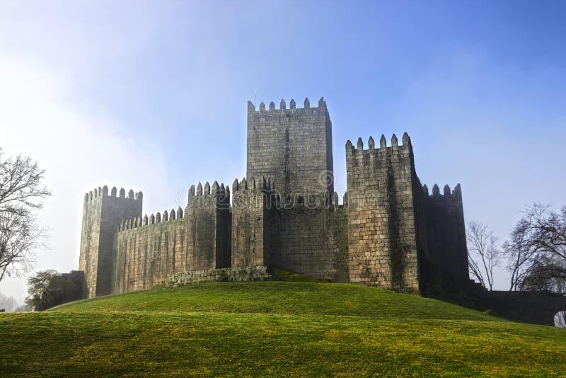 Κάστρο του Guimaraes και πάρκο, Πορτογαλία στοκ εικόνες με δικαίωμα ελεύθερης χρήσης