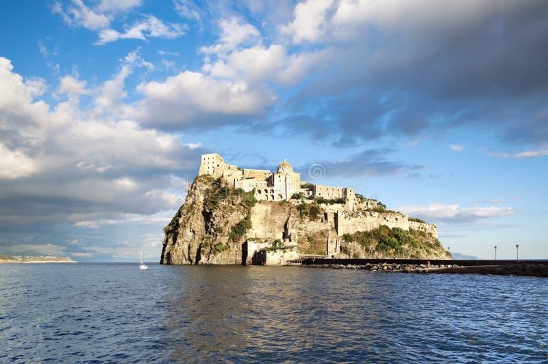 Κάστρο Aragonese, νησί ισχίων (Ιταλία) στοκ φωτογραφίες