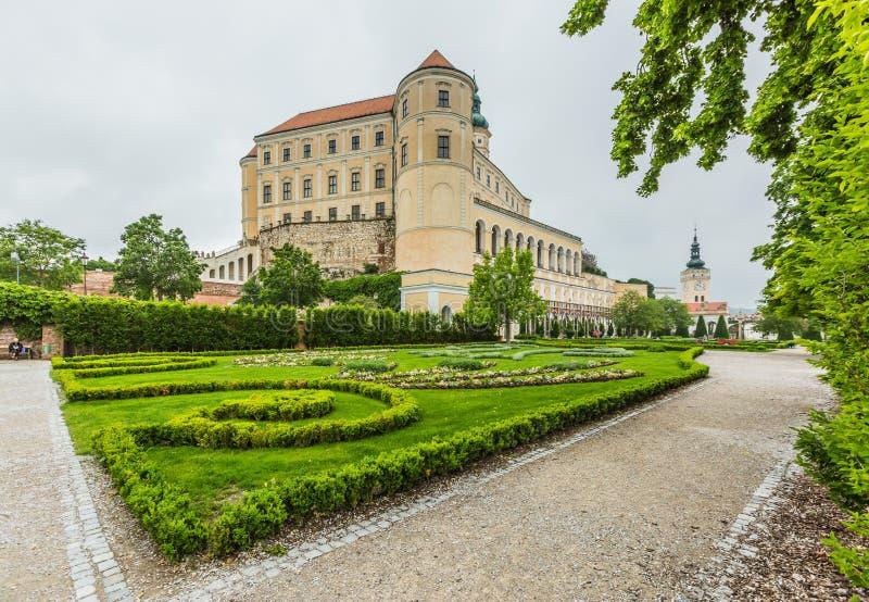 Κάστρο Mikulov στη νότια Μοραβία μια βροχερή ημέρα στοκ φωτογραφίες με δικαίωμα ελεύθερης χρήσης