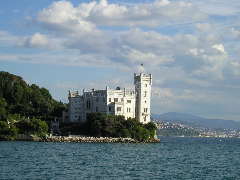 κάστρο miramare στοκ φωτογραφίες