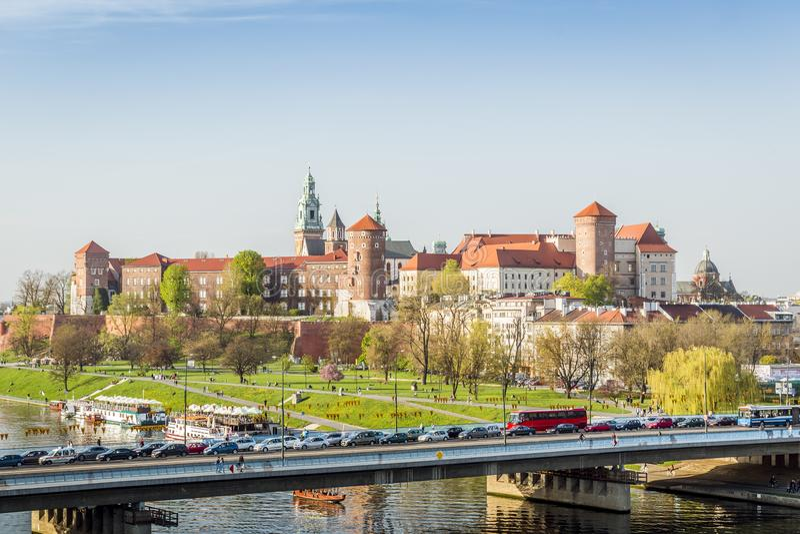 Κάστρο Wawel που βρίσκεται υπέροχα στην καρδιά της Κρακοβίας, Πολωνία στοκ φωτογραφία
