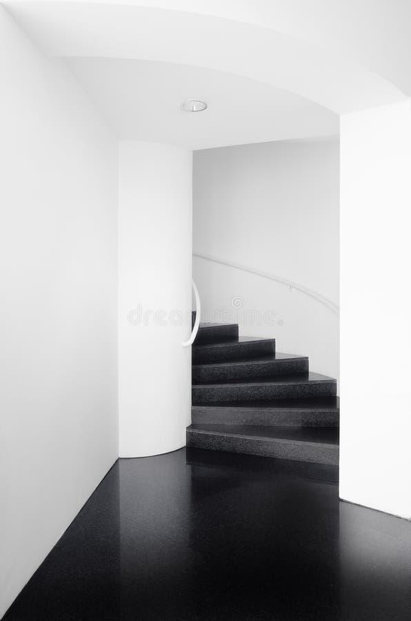 κάτω σκαλοπάτια επάνω στοκ φωτογραφία με δικαίωμα ελεύθερης χρήσης