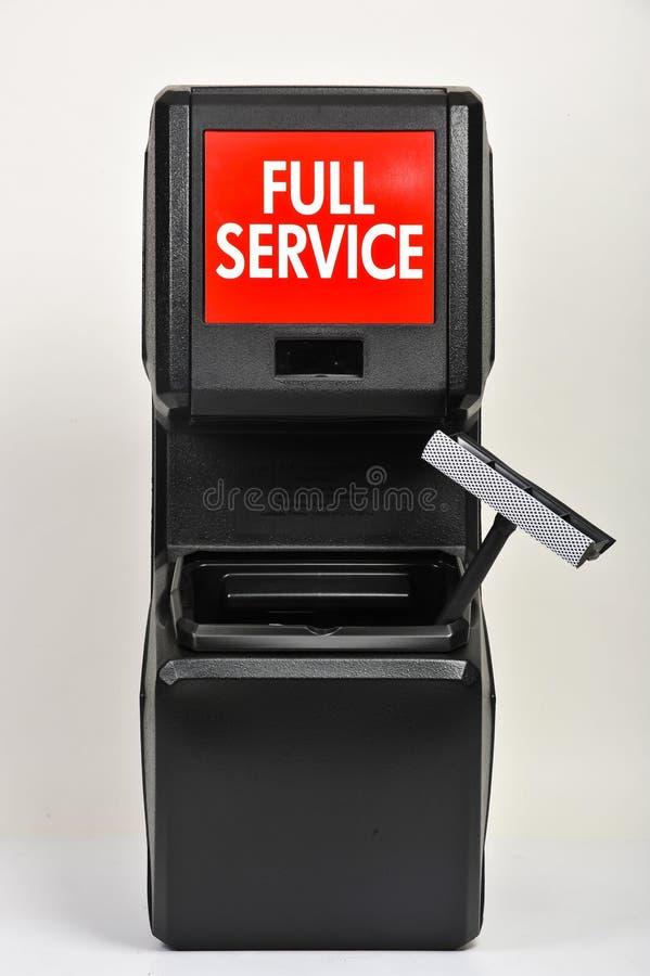 Κάδος των υπηρεσιών σε ένα βενζινάδικο στοκ εικόνες