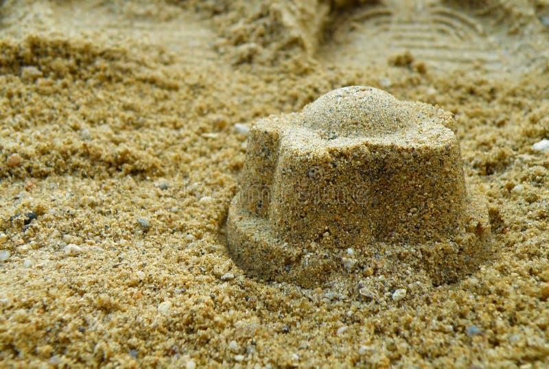 Κέικ άμμου στην παραλία στοκ εικόνες