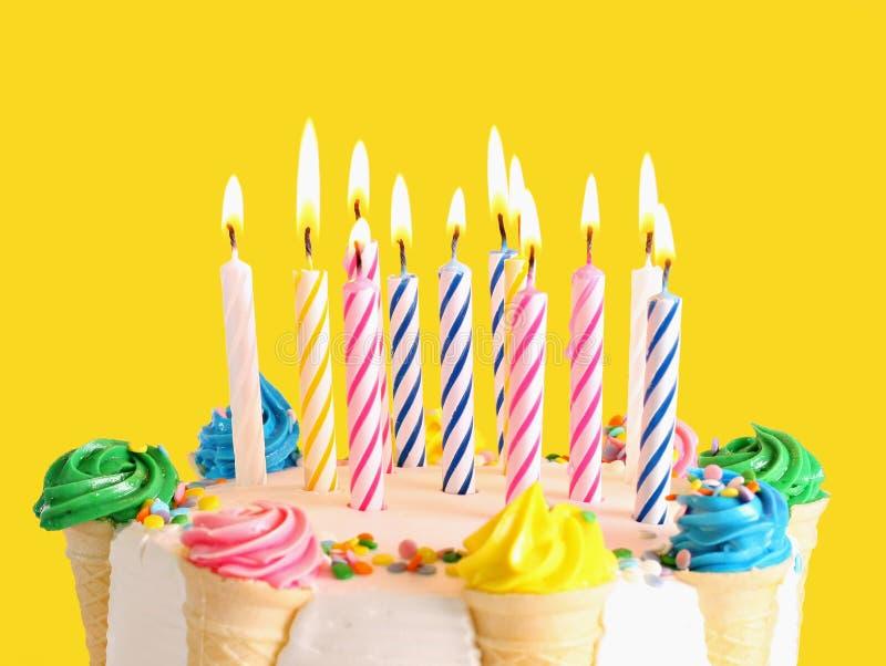 κέικ γενεθλίων στοκ φωτογραφίες με δικαίωμα ελεύθερης χρήσης
