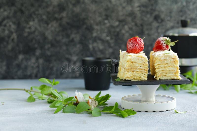 Κέικ επιδορπίων napoleon στοκ εικόνες