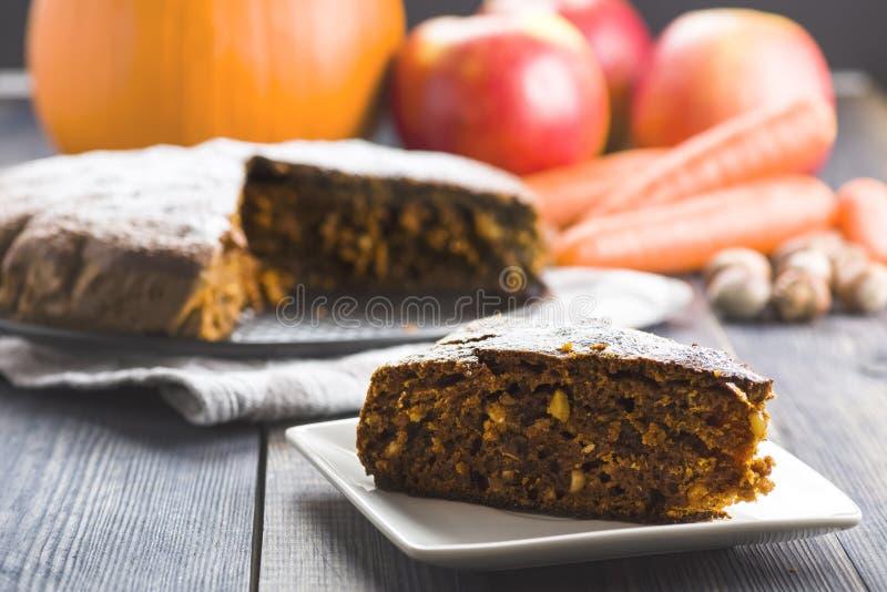 Κέικ καρότων με την κολοκύθα στοκ εικόνες με δικαίωμα ελεύθερης χρήσης