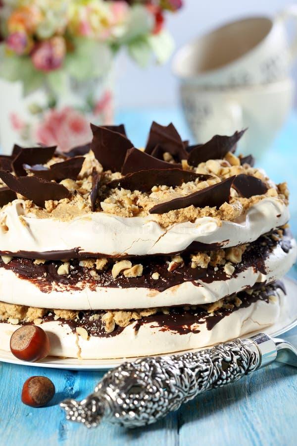 Κέικ καφέ της μαρέγκας. στοκ εικόνες