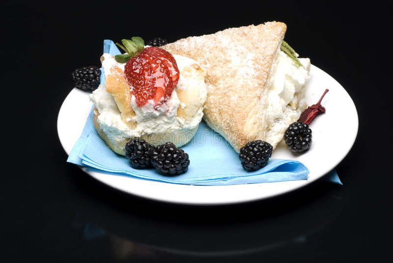 κέικ κρεμώδη στοκ φωτογραφία με δικαίωμα ελεύθερης χρήσης