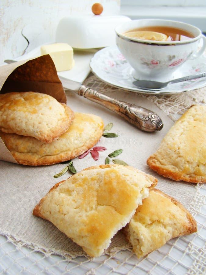 Κέικ με το τυρί εξοχικών σπιτιών στοκ εικόνες